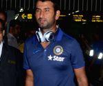 Indian cricket team at Kolkata Airport