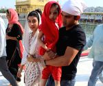 Gautam Gambhir visits Golden Temple with his family