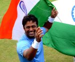 Leander Paes celebrates win at Davis Cup