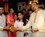 Mithali Raj, Jhulan Goswami, Dev inaugurate Sreebhumi Puja Pandal