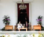 Jakarta (Indonesia): Modi meets Indonesian President Joko Widodo