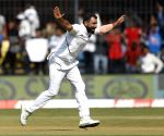 Abu Jayed takes tips Shami to prepare for pink ball Test