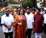 Akash Ambani Wedding - Mukesh Ambani, Nita Ambani visit Siddhivinayak Temple
