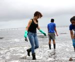 Beach Clean Up programme - Sussanne Khan