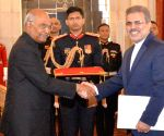 Iranian Ambassador presents his credentials to President Kovind
