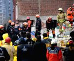Turkey istanbul building Collapse