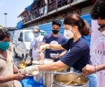 Free Photo: Jacqueline Fernandez helps feed people, interacts with Covid warriors