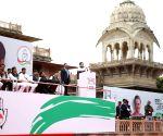 Rahul's stoic silence on CAA, NRC at Jaipur rally
