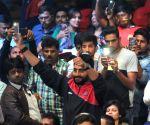 Pro Kabaddi League 2016 - Bengaluru Bulls vs Jaipur Pink Panthers - Abhishek Bachchan