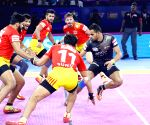 All-round U Mumba beat Gujarat Fortunegiants 31-25