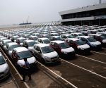 Slowdown on in auto sector, overall retail sales down 6%