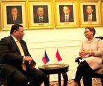 INDONESIA JAKARTA PHILIPPINES FOREIGN MINISTER VISIT
