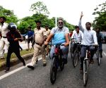 Pappu Yadav's cycle rally