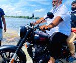 Pappu Yadav visits Bihar's flood-hit Chapra