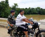 Darbhanga (Bihar): Floods - Pappu Yadav