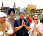 Kenji Hiramatsu visits Golden Temple