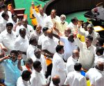 Yeddyurappa resigns, Congress - JD(s) leaders celebrate