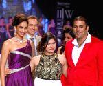 Divya Khosla Kumar showstopper at IIJW - Day 2