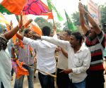Clash between JMM and BJP workers