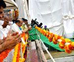K'taka CM sets deadline for B'luru Metro 2nd phase completion