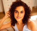 Kangana offers Ayurvedic tip for bile, fan says Taapsee needs it.