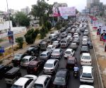 PAKISTAN KARACHI TRAFFIC JAM