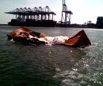 PAKISTAN KARACHI SHIPS COLLISION