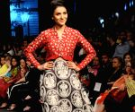 Karachi (Pakisstan): Designer Maheen Karim's creations on Fashion Pakistan Week