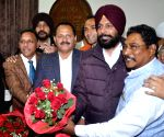 Karamjit Singh Rintu elected as Amritsar mayor
