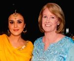 Free Photo: Kareena, Preity Zinta's message for their mother-in-law on Mother's Day