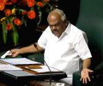 Karnataka Speaker issues notice to 15 rebel MLAs