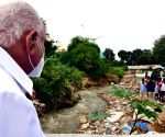 BS Yediyurappa pays inspection visit to flooded Hosakerehalli