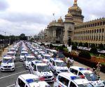 Siddaramaiah flags off Hi Tech Hoysala Patrol Vehicles