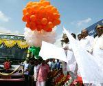 Karnataka CM flags off Airavat Club Class bus