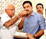 Yeddiyurappa celebrates Karnataka bye-elections win