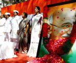 Karnataka Congress leaders pay tributes to Mahatma Gandhi on Martyrs Day