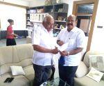 Karnataka Congress MLA Umesh Jadav resigns