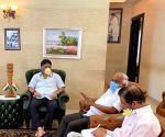 Bengaluru: DK Shivakumar meets K. R. Ramesh Kumar
