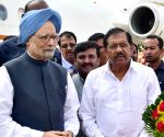 Manmohan Singh arrives at the Bengaluru International Airport