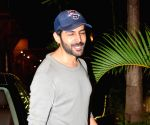 Kartik Aaryan Spotted In Dance Class in Juhu