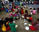 NEPAL KATHMANDU EARTHQUAKE AFTERMATH FOOD
