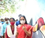 Free Photo: KCR daughter n MLC K Kavita casts vote in Hyderabad poll