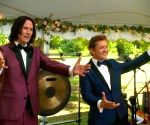 Keanu Reeves, Alex Winter's message to graduating students of 'Bill & Ted' school