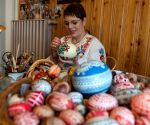 HUNGARY KECSKEMET HANDICRAFT EASTER EGG