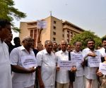Kerala CM demonstrates against Central Government's