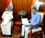 : New Delhi:Kerala CM  Pinarayi Vijayan with Union Railway Minister Ashwini Vaishnaw, at Rail Bhawan,