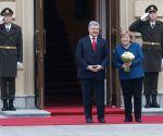 Ukraine Kiev Poroshenko Merkel Politics