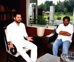 Hardik Patel meets Tejashwi Yadav