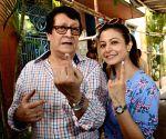 Bengali star Koel Mallick, father Ranjit Mallick test Covid-19 positive