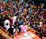 Kolkata drowns in saffron deluge as Shah leads road show